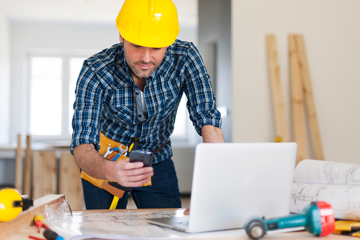 Workplace construction foreman gets injured employees back to work quickly with Ortholive.